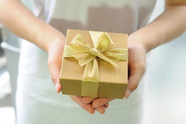 people-birthday-birthdays-christmas
