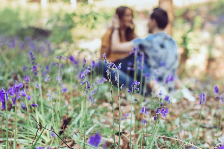 Emotion is Art - séance-photos-couple-belgique-bois-de-halle