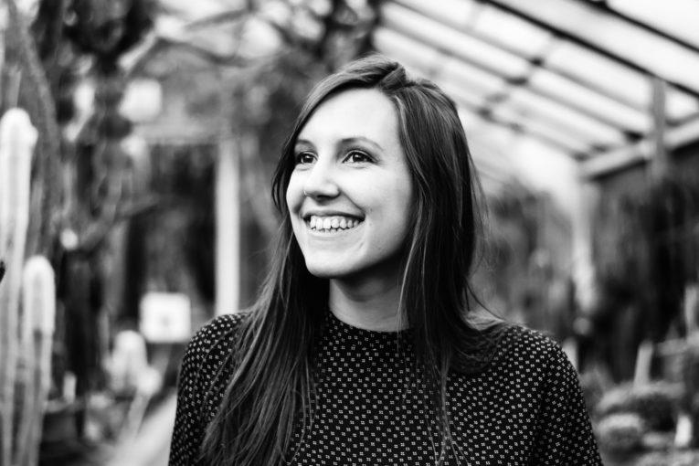 séance-photo-femme-portrait-solo-confiance-en-soi-Liège-serres