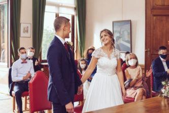 Le mariage en petit comité de Julie & Yuri